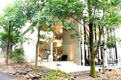 パークサイドカフェ玄関付近外観